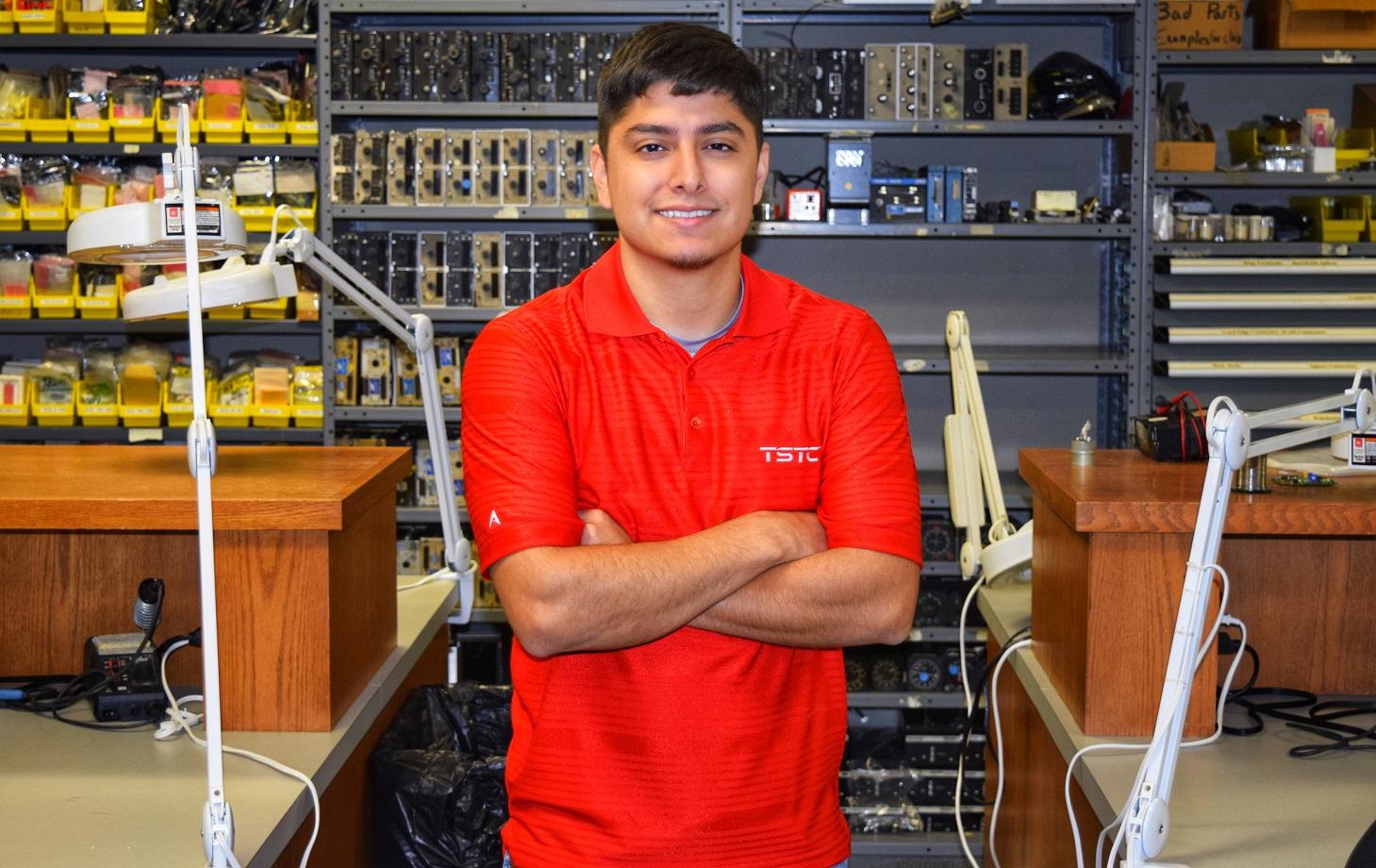 San Antonio Resident Electrifies His Goals at TSTC