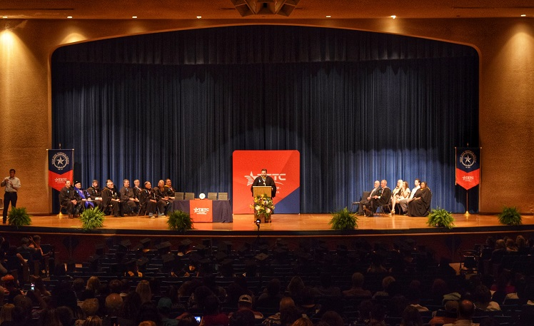 TSTC Holds Spring Commencement in Marshall