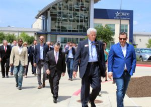 Senator Ted Cruz tours TSTC in Fort Bend County